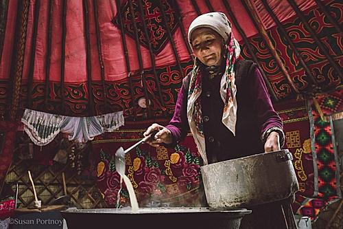 Có một nơi trên Trái Đất, người dân uống trà sữa nhiều hơn nước - Ảnh 1.