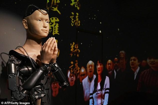 Một ngôi đền tại Nhật Bản mang robot triệu USD về làm thầy tu, thuyết giảng Phật giáo cho du khách - Ảnh 5.