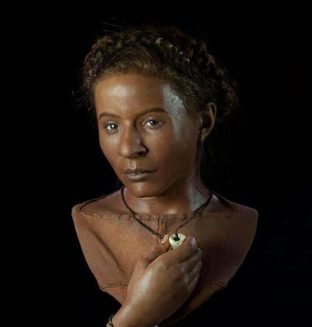 Nhà khảo cổ học điêu khắc gương mặt của người thật sống hàng nghìn năm về trước, đẹp từng milimet khiến nhiều người bị lừa - Ảnh 5.