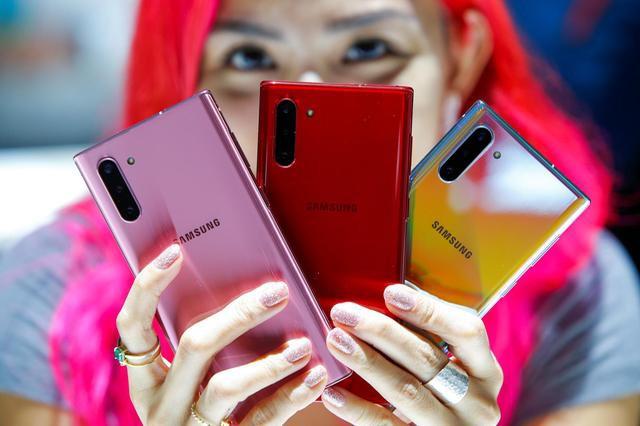 Bán hết công nghệ hàng đầu cho các đối thủ, Samsung là kẻ hào phóng nhất ngành smartphone? - Ảnh 2.