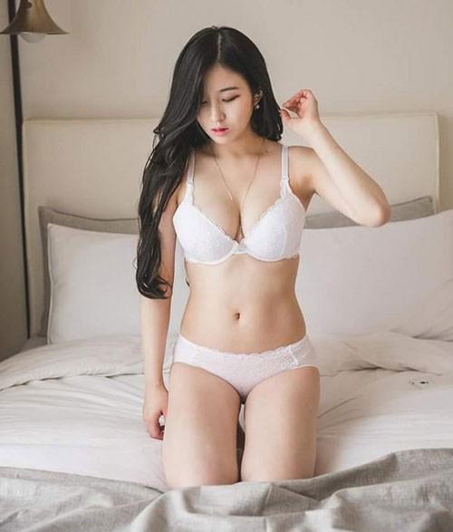Ngất ngây với vẻ quyến rũ của nữ thần MC sở hữu khe ngực đẹp nhất Hàn Quốc - Ảnh 7.