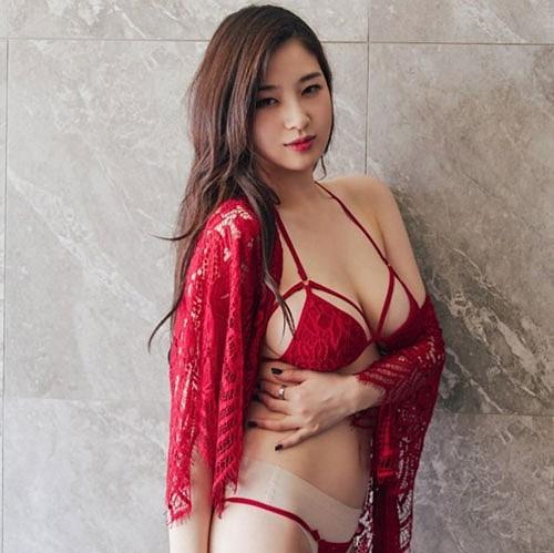 Ngất ngây với vẻ quyến rũ của nữ thần MC sở hữu khe ngực đẹp nhất Hàn Quốc - Ảnh 8.
