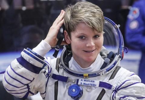 """Làm ở trạm vũ trụ nhưng vẫn tìm cách """"hack"""" tài khoản ngân hàng của bạn đời ở Trái Đất - Ảnh 1."""