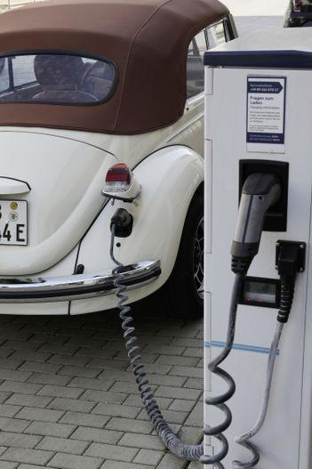 Con bọ của Volkswagen hồi sinh với thiết kế cổ điển đi kèm động cơ điện - Ảnh 12.