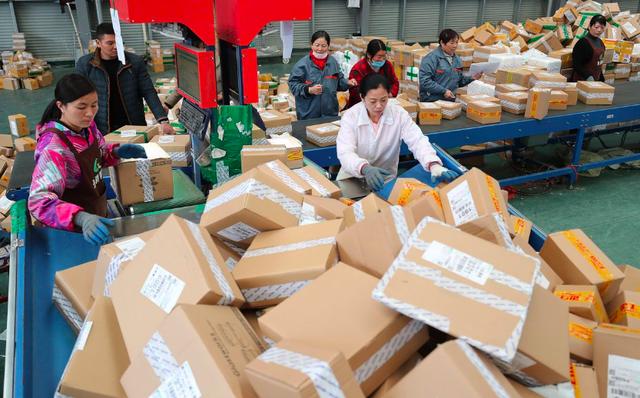 Nguy cơ thâu tóm Lazada trở thành sai lầm trị giá 4 tỷ USD của Alibaba: Sau 3 năm không hề tăng trưởng, thậm chí sắp để mất ngôi vị số 1 khu vực, Jack Ma cũng bó tay? - Ảnh 3.