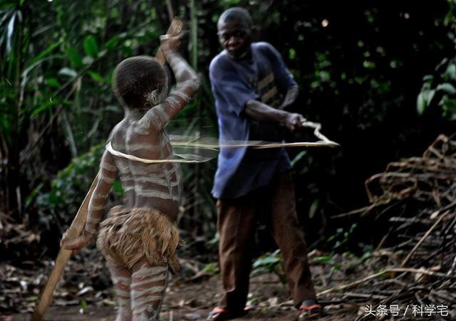 Thế giới thực sự tồn tại chủng người lùn như người hobbit tại Châu Phi - Ảnh 8.