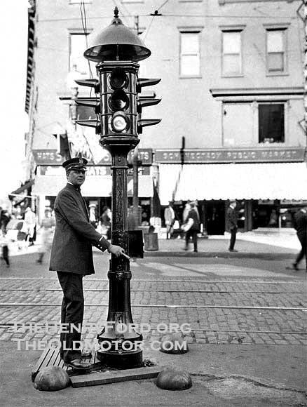 Đèn giao thông bắt ma: Thứ vũ khí tiêu trừ âm tà mà chẳng ai biết đến của người Trung Hoa - Ảnh 4.