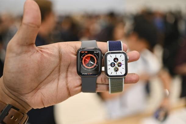 Apple Watch Series 5 vs Series 4: đã đến lúc nâng cấp? - Ảnh 2.