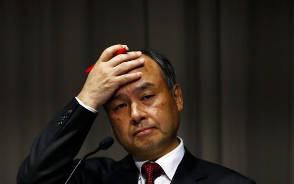 Đỉnh điểm của liều: Masayoshi Son thế chấp tài sản cá nhân vay tiền từ 19 ngân hàng khác nhau để tiếp tục đầu tư mặc cho sóng gió đang bủa vây Softbank - Ảnh 2.