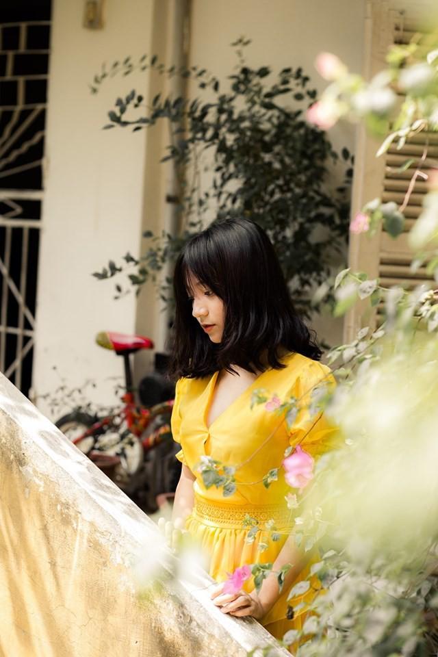 Đi xem giải vô tình lọt vào camera, cô nàng 2K4 xinh đẹp phổng phao bị cộng đồng CS:GO Việt săn info ráo riết - Ảnh 7.