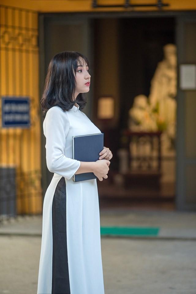 Đi xem giải vô tình lọt vào camera, cô nàng 2K4 xinh đẹp phổng phao bị cộng đồng CS:GO Việt săn info ráo riết - Ảnh 10.