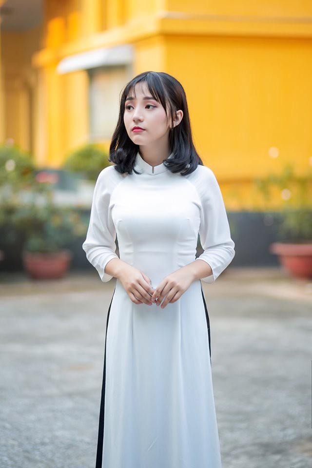 Đi xem giải vô tình lọt vào camera, cô nàng 2K4 xinh đẹp phổng phao bị cộng đồng CS:GO Việt săn info ráo riết - Ảnh 11.