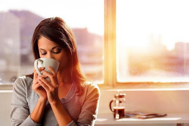 Cà phê mỗi buổi sáng - biểu tượng của người hướng đến thành công với những lợi ích mang lại cho cơ thể không phải ai cũng biết - Ảnh 1.