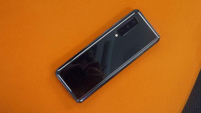 Những cảm nhận đầu tiên về siêu phẩm màn hình gập Samsung Galaxy Fold - Ảnh 9.