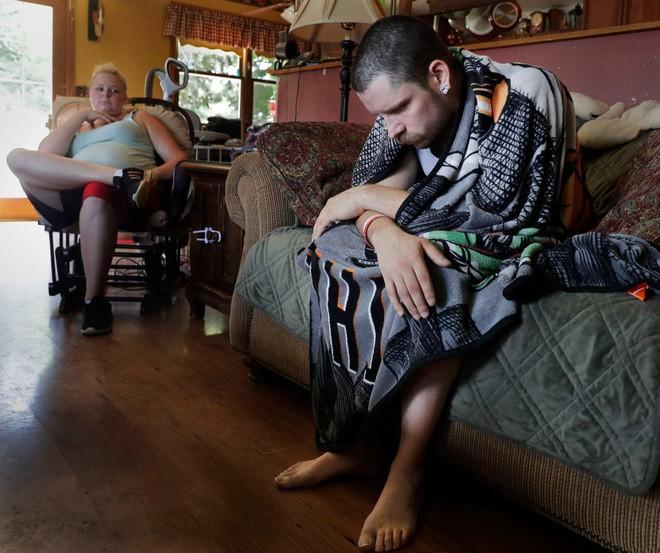 Năm người chết sau khi hút thuốc lá điện tử: Mỹ khuyến cáo người dân ngừng sử dụng loại hình thuốc lá này - Ảnh 3.
