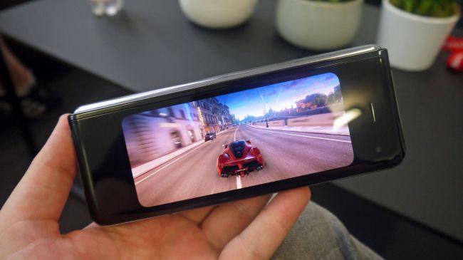 Những cảm nhận đầu tiên về siêu phẩm màn hình gập Samsung Galaxy Fold - Ảnh 10.