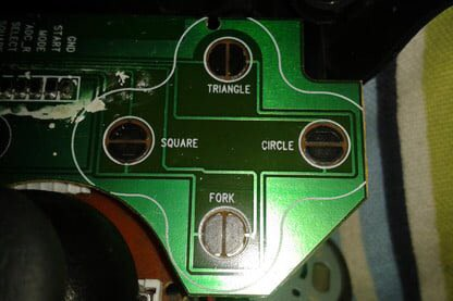 Cư dân mạng lại tan đàn xẻ nghé: một phe gọi nút x trên PlayStation là ích, phe còn lại gọi là chéo - Ảnh 5.
