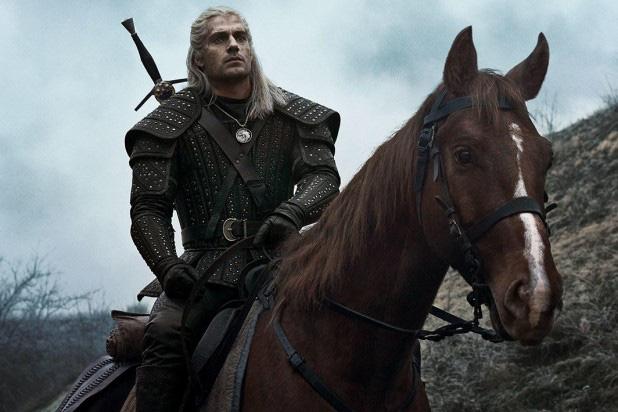 7 bí mật của witcher Henry Cavill: Mặt dày gọi liên tục cho Netflix để được casting, cứ quay phim xong là vác luôn trang phục Geralt về nhà mặc cho nó ngầu - Ảnh 1.