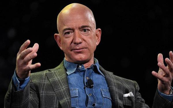 Jeff Bezos bị chỉ trích vì chỉ quyên góp 690.000 USD khắc phục cháy rừng ở Australia - Ảnh 1.