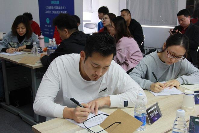 Thâm nhập lò dạy làm giàu bằng TikTok tại Trung Quốc: Học phí siêu đắt, học viên không cần nổi tiếng, chỉ cần tiền - Ảnh 4.
