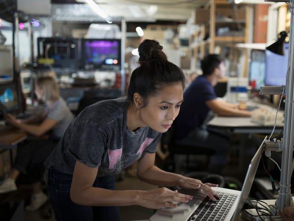LinkedIN công bố danh sách 15 việc làm hot trong năm 2020 - Ảnh 11.