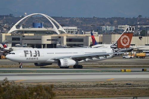 16 hãng hàng không có máy bay được sơn đẹp nhất - Ảnh 10.