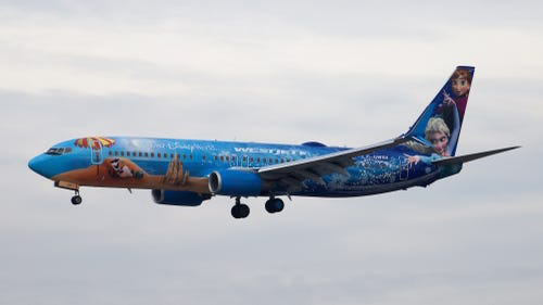 16 hãng hàng không có máy bay được sơn đẹp nhất - Ảnh 24.