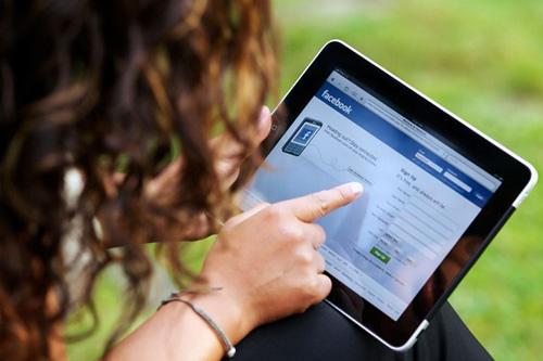 Nữ giới thích phóng đại cuộc sống của mình trên mạng xã hội 1