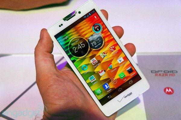 """Top những smartphone có màn hình """"quyến rũ"""" nhất 7"""