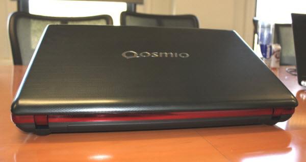 Toshiba làm mới laptop chơi game Qosmio X875 với ổ lai 4