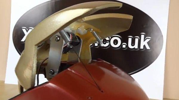Độc đáo với mũ tự động phong cách Iron Man 3