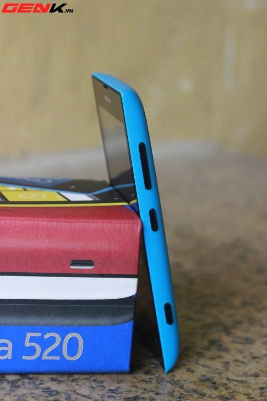 Đập hộp Nokia Lumia 520 chính hãng tại Việt Nam 6
