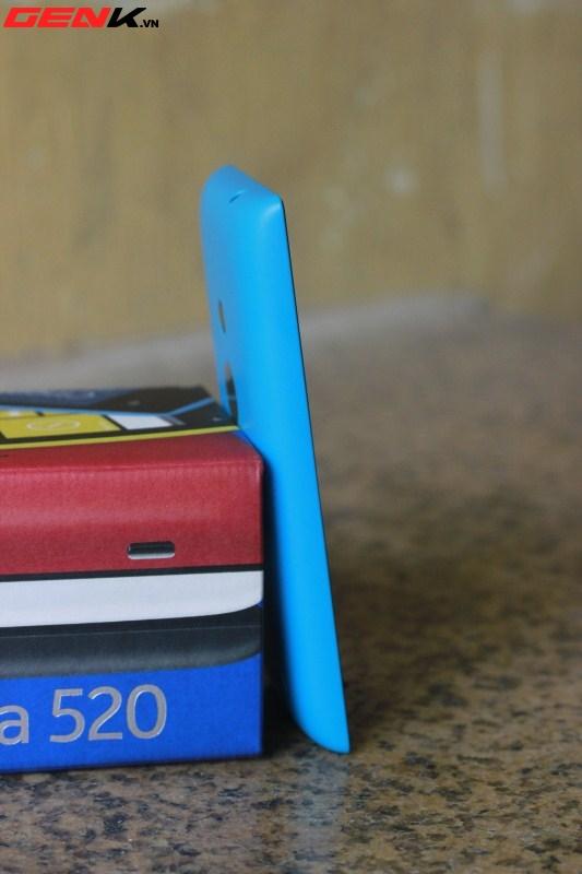 Đập hộp Nokia Lumia 520 chính hãng tại Việt Nam 7