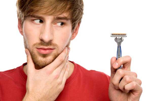 Hãy thường xuyên cạo râu.