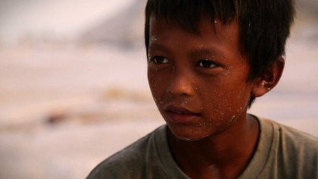 Cậu bé 12 tuổi Rianto là một trong những thợ mỏ tại khu vực