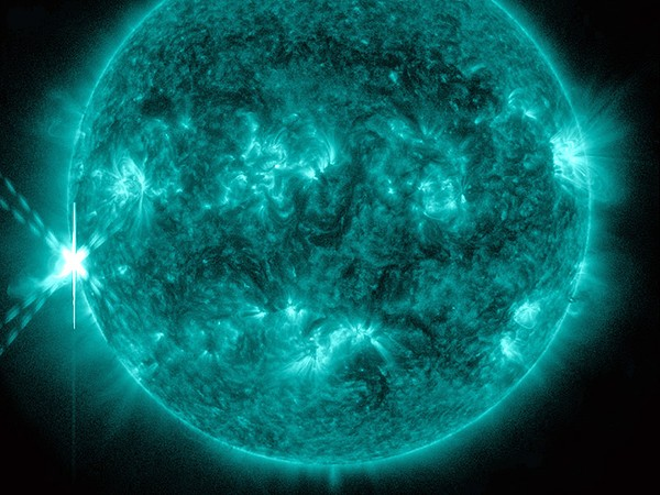 Những hình ảnh vũ trụ không thể không xem của năm 2014 6