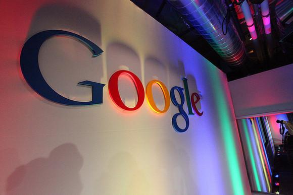 Một năm nhiều biến động của Google
