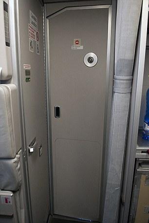 Truy cập vào cửa buồng lái trên máy bay Airbus A320 Germanwings (như trên) có thể được vô hiệu hóa từ bên trong boong tàu bay để ngăn chặn cướp