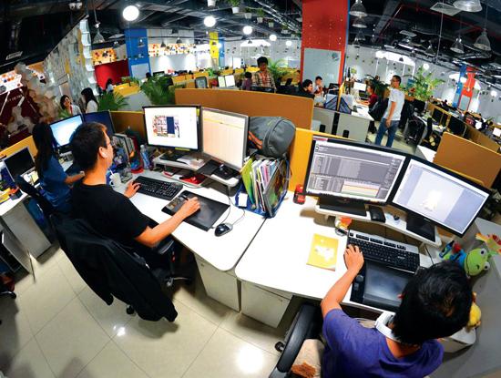 Theo báo cáo của mạng việc làm JobStreet.com, lương trung bình của nhân sự ngành CNTT lọt Top 10 ngành có lương cao nhất. (Ảnh minh họa)