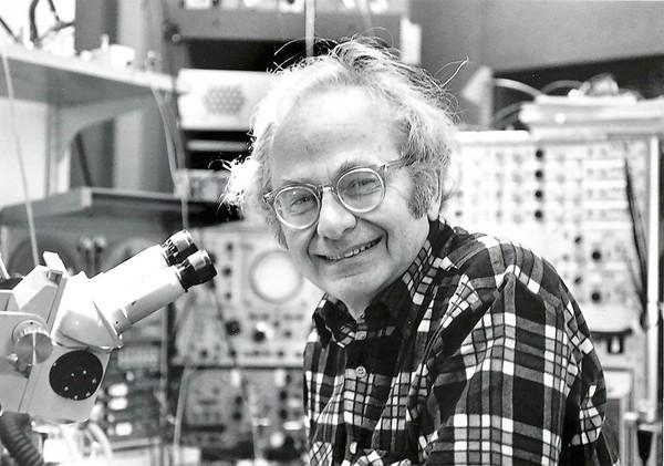 Nhà khoa học David Hunter Hubel (1926 - 2013).