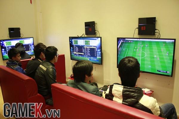 PS4 bán đắt hàng gấp 10 lần Xbox One tại Việt Nam
