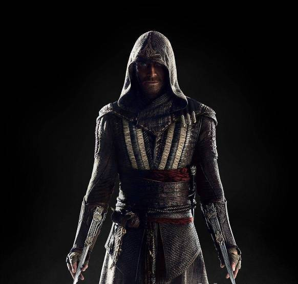 Michael Fassbender trong vai Aguilar. Tạo hình trang phục xem ra giống với Ezio Auditore nhất.