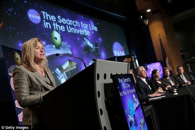 Giám đốc khoa học tại NASA, bà Ellen Stofan là người đóng góp rất nhiều trong các nghiên cứu về sự sống ngoài Trái đất.