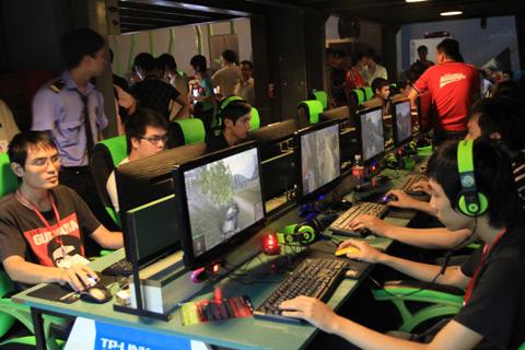 """Những """"thói hư tật xấu"""" của game thủ Việt khi chơi ngoài quán net"""