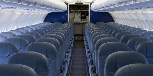 Loại ghế hạng bét sẽ sớm xuất hiện tại các hãng hàng không lớn, đó là loạt ghế nằm gần... bếp và toa lét.