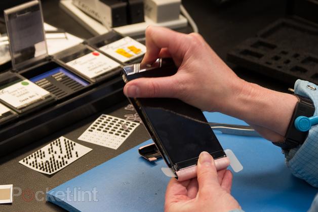 Bên Vertu: Chào mừng bạn đến với thế giới của điện thoại thông minh cao cấp - ảnh 3