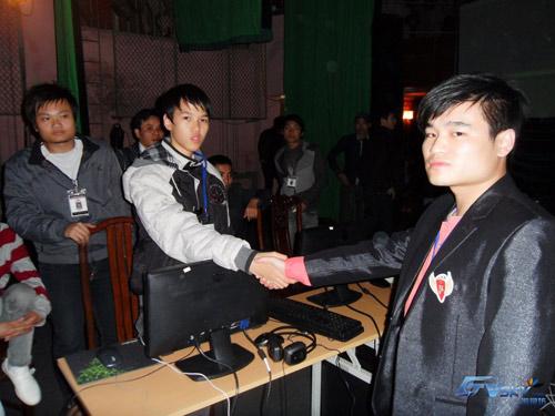 Người Trung Quốc luôn vô cùng mạnh mẽ ở thể loại solo Shang.