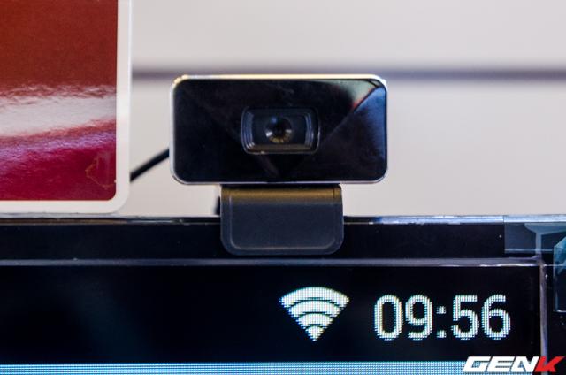 Cận cảnh camera trên TV Full HD nhằm phục vụ nhu cầu video call.