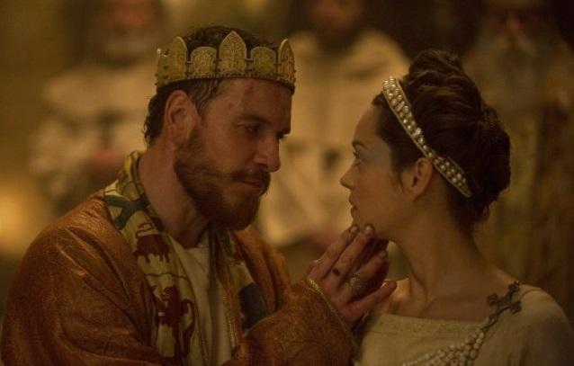 Michael Fassbender và Mario Cotillard trong phim Macbeth.