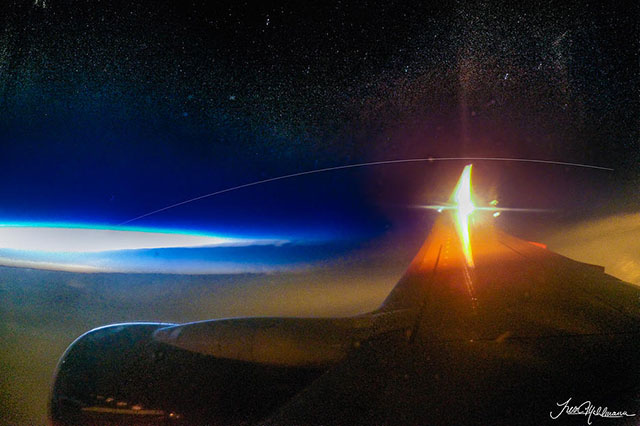 Bức ảnh của Hahlmann chụp trạm ISS từ máy bay ở độ cao 12,2 km.